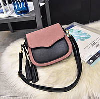 Женская сумочка маленькая розовая с кисточками через плечо