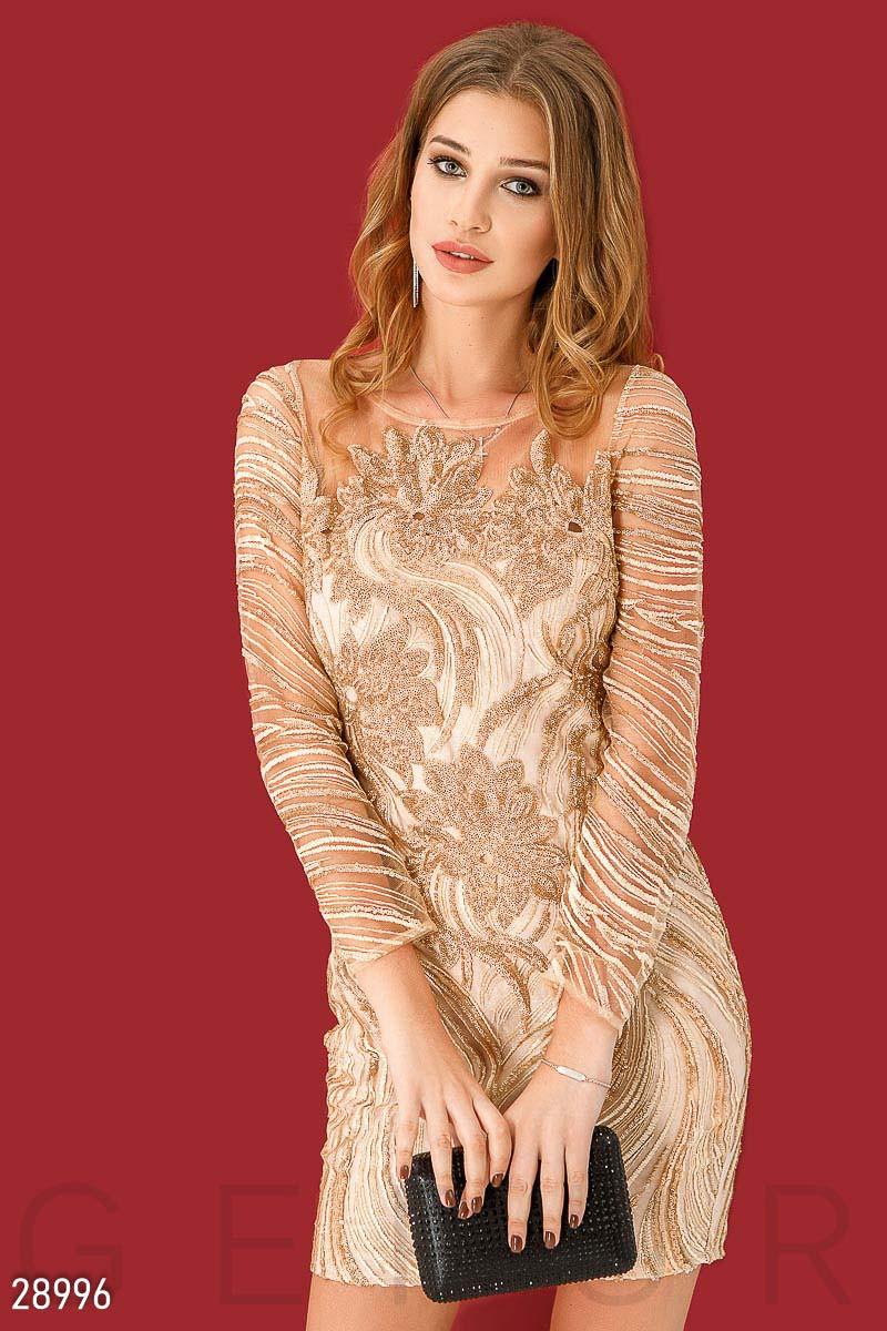 Бежевое платье мини с пайетками