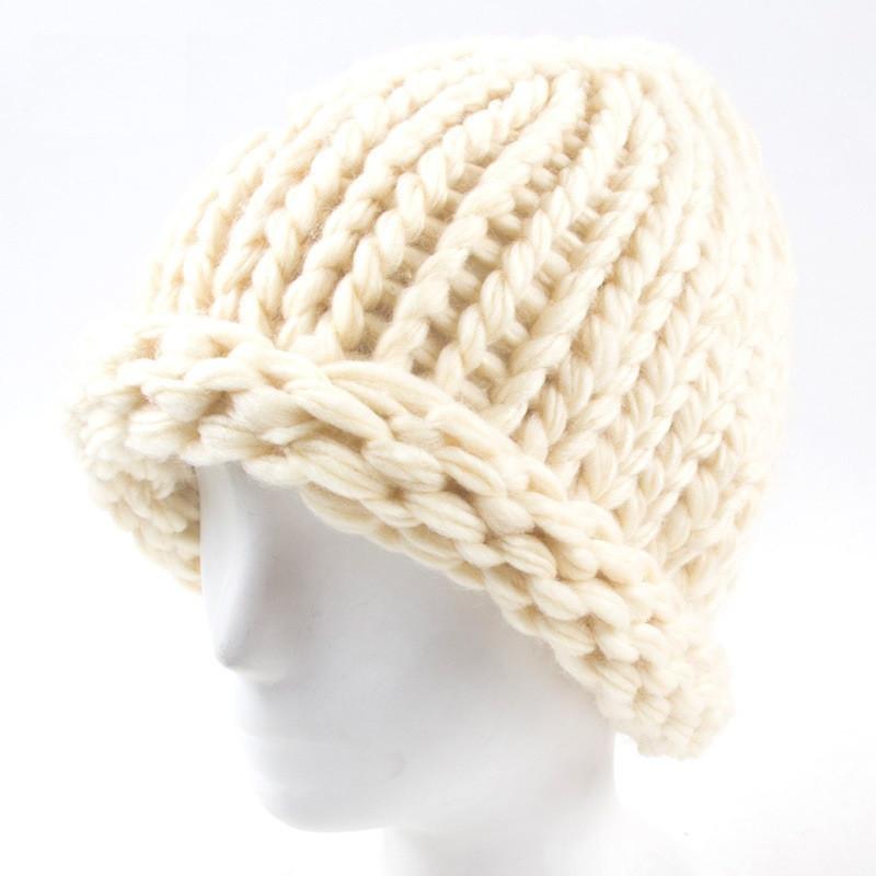 Вязаная женская зимняя шапка бежевая опт