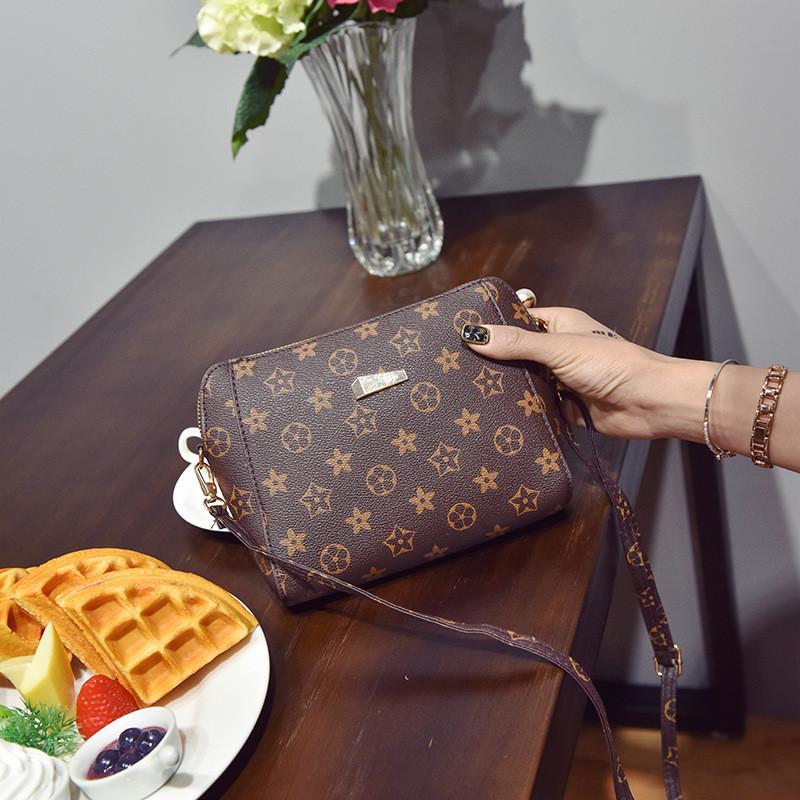 Женская коричневая маленькая сумочка на молнии 3