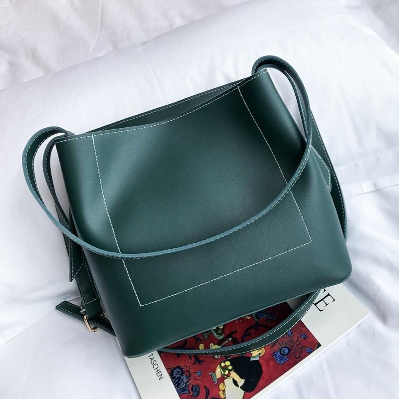 Женская сумка с ручками зеленая большая