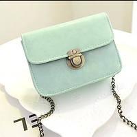 Женская мини сумочка на цепочке голубая из экокожи