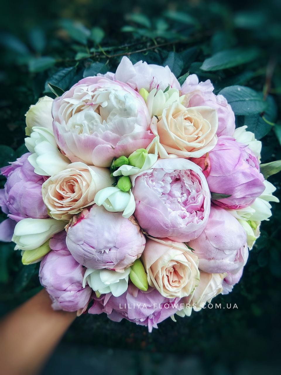 Цветов свадебный букет невесты с доставкой киев невесты