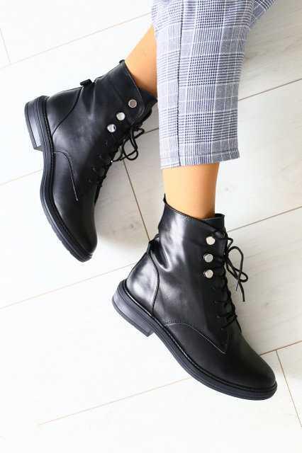 Осінні жіночі шкіряні черевики на шнурках (чорні)