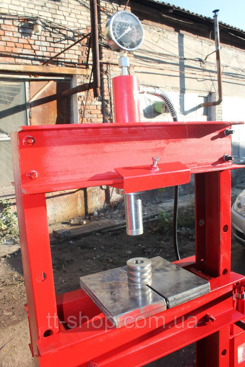 Пресс пневмогидравлический напольный 20 тонн