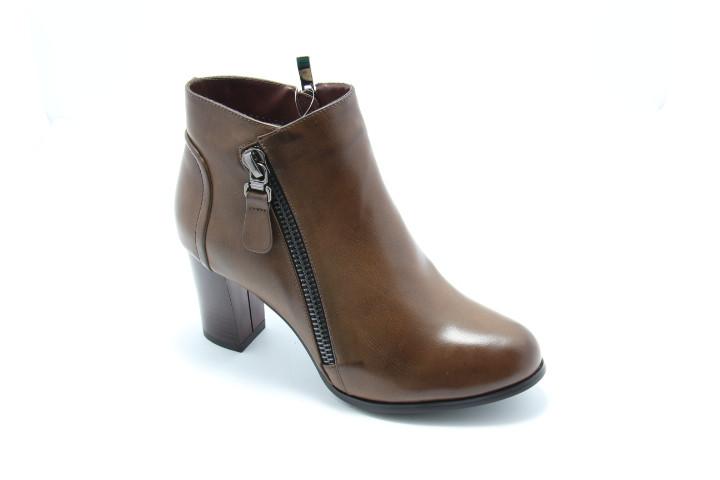 Ботинки женские на среднем каблуке H&G M10