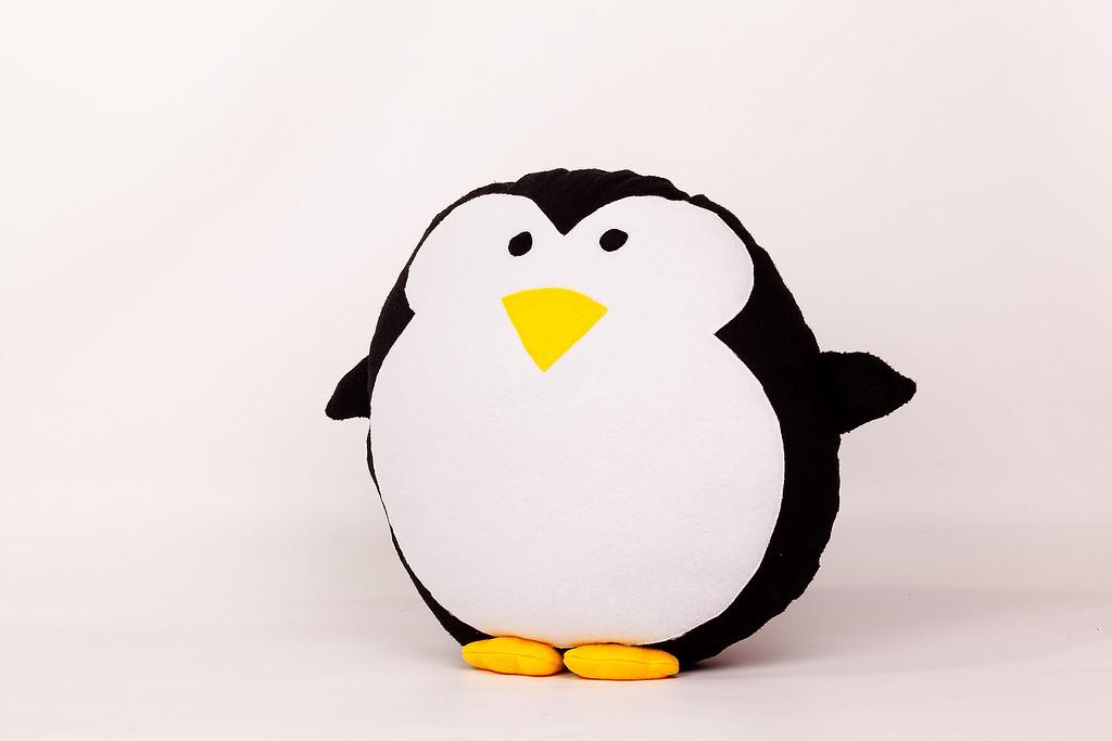 Подушка декоративная Пингвин