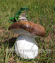 Садовая фигура Гриб с жабкой, фото 3