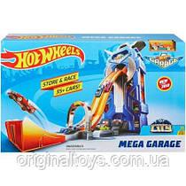 Игровой набор Hot Wheels Мегагараж FTB68