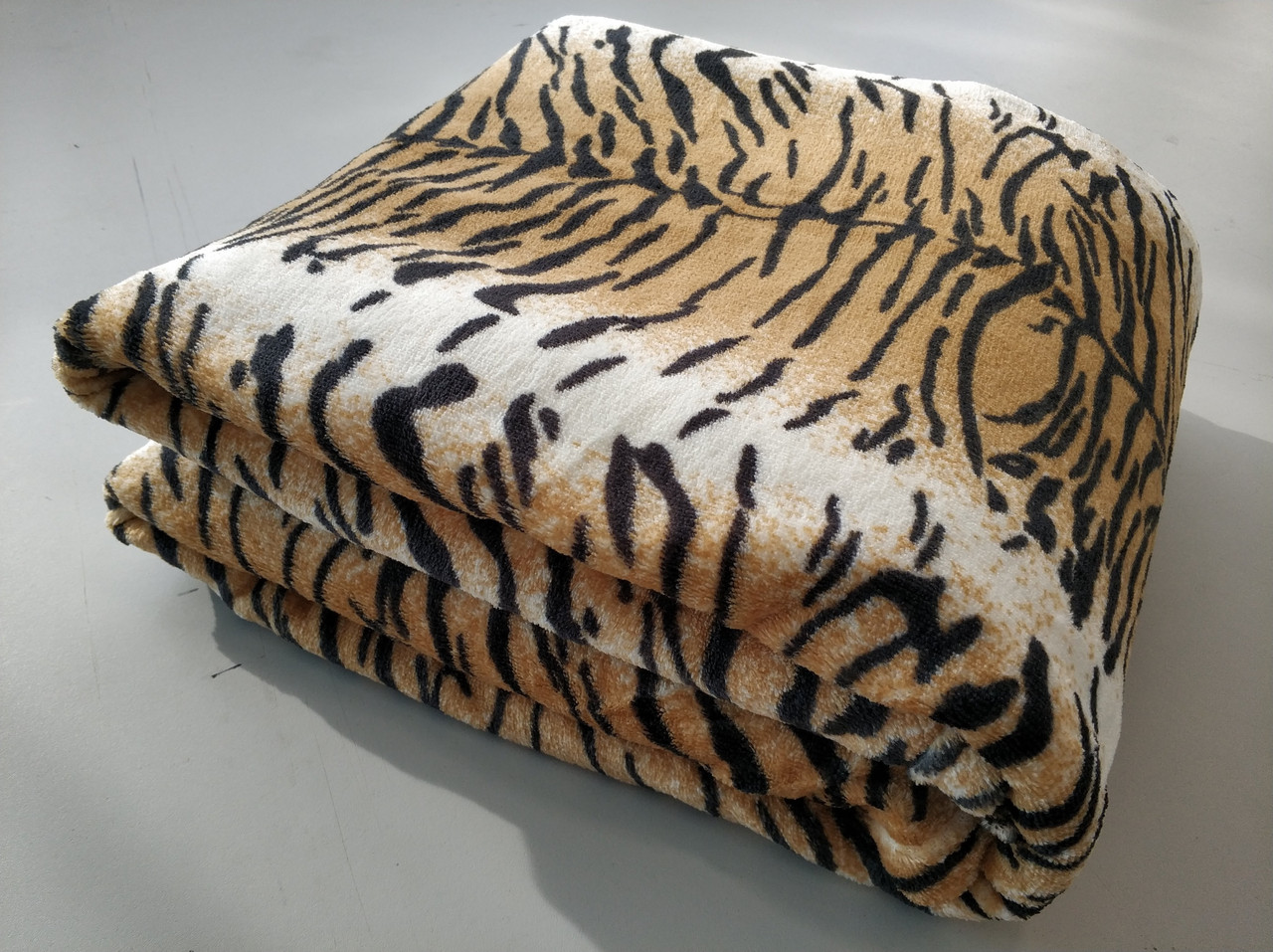 Микрофибровая простынь, покрывало TRUE LOVE полуторное Шкура тигровая