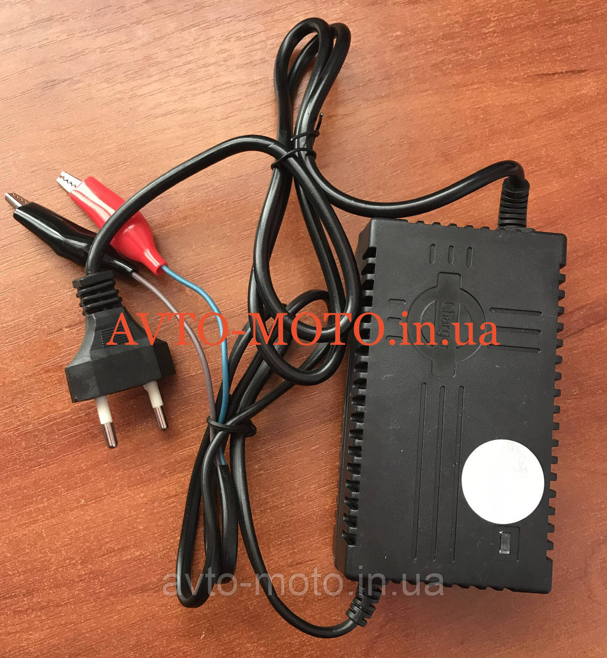 Зарядное устройство аккумулятора 12V1A