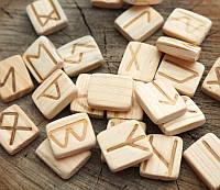 9160246 Набор деревянных рун для гадания Лиственница