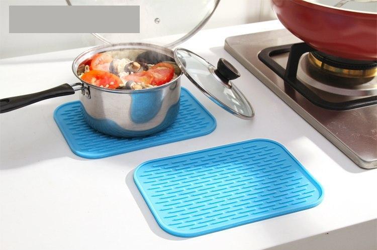 Силиконовый коврик для сушки посуды 21Х15 см (голубой)