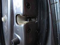 Замок електрический на переднюю правую дверь Mazda 6 02 -07 г