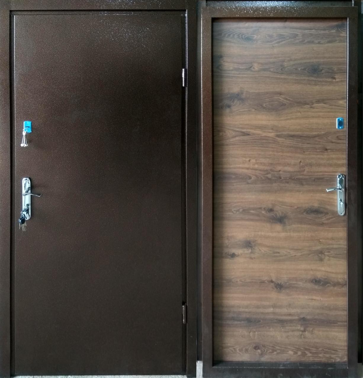 Двери входные металические