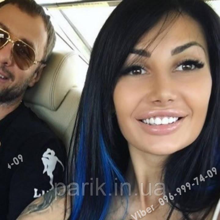 Синє волосся на заколках
