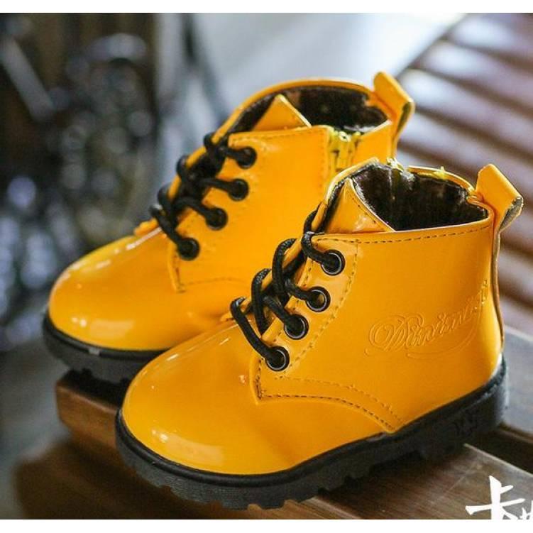 Ботинки детские лакированные зимние на  меху на девочку желтые