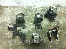 Подушка двигателя 2,0 и 2,4 Mitsubishi Outlander