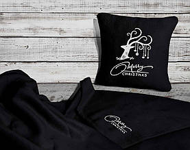 "Новогодний набор: подушка + плед Slivki ""Merry Christmas"" 19 цвет черный"