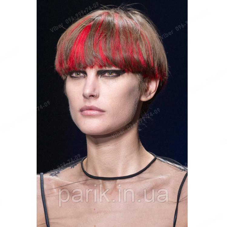 Модные прядки на заколках красного цвета
