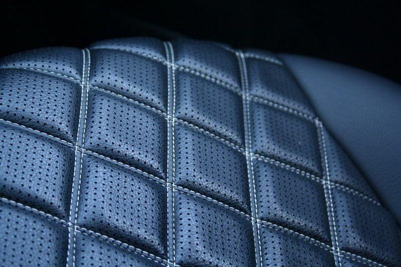 Чехлы на сиденья Тойота Авенсис (Toyota Avensis) (модельные, 3D-ромб, отдельный подголовник)