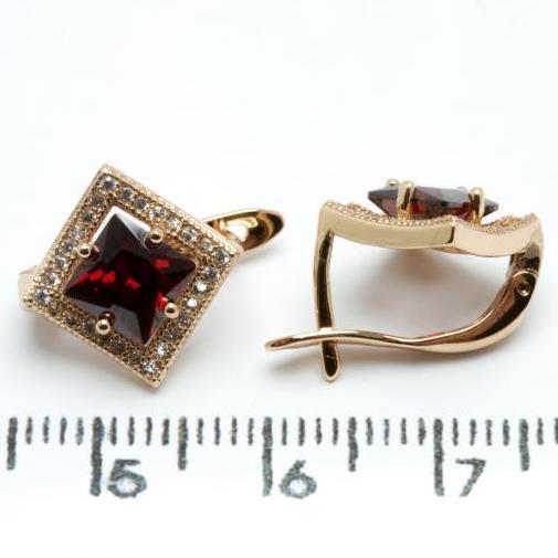 Серьги Xuping медзолото позолота 18К  ромб 1.3см красный и белый цирконий с889