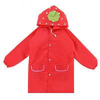 Яркий детский плащ дождевик - красная клубничка