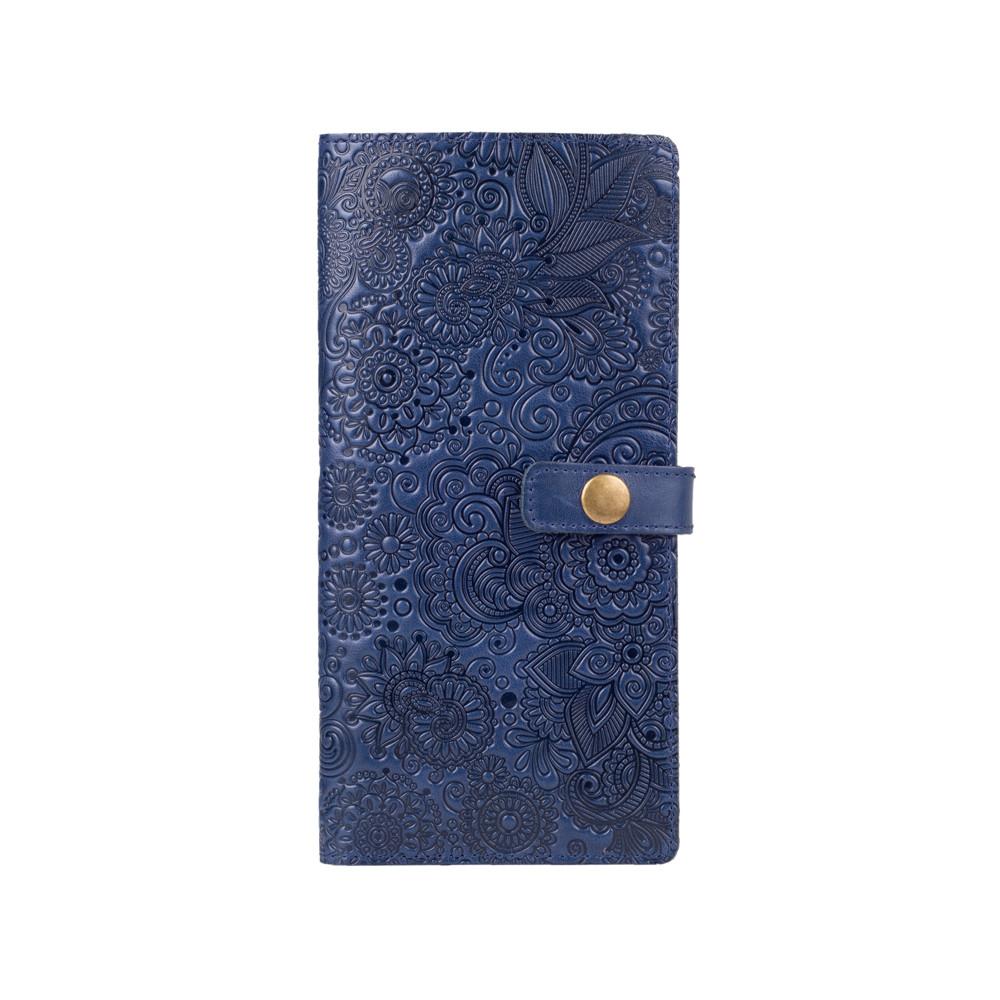"""Голубой тревел-кейс с натуральной глянцевой кожи с художественным тиснением """"Mehendi Art"""""""