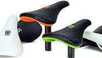 Седло STOLEN P*BOSS Black/Neon Orange