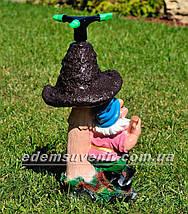Садовая фигура Гном поливайка с грибом, фото 3