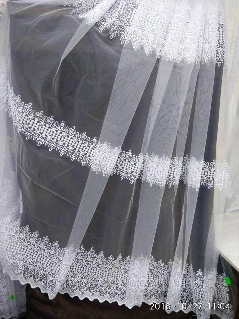 Белая воздушная тюль с лёгкой вышивкой рядами на метраж и опт