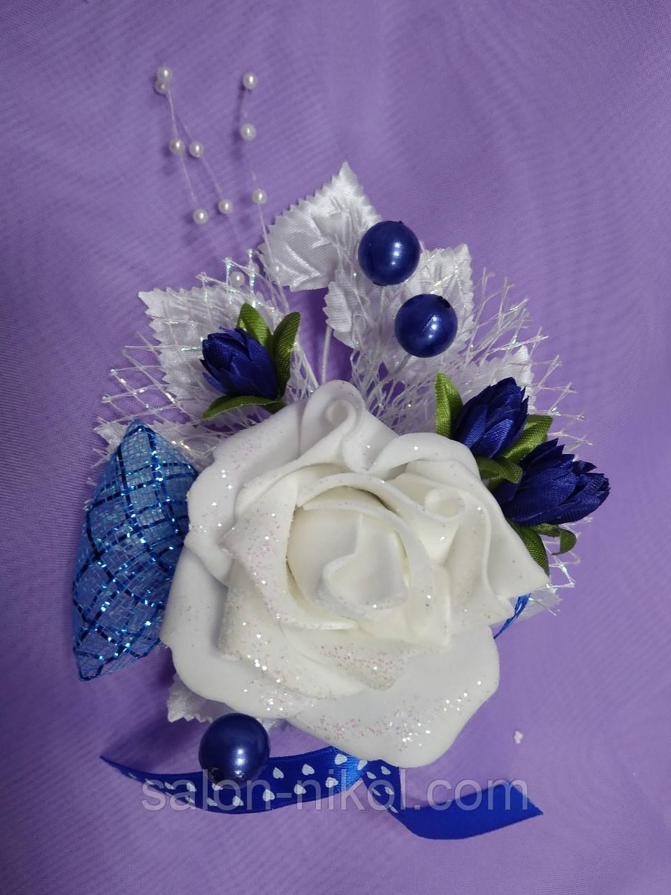 Бутоньерка большая роза бархат синяя