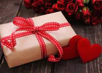 Что подарить на День Святого Валентина парню?