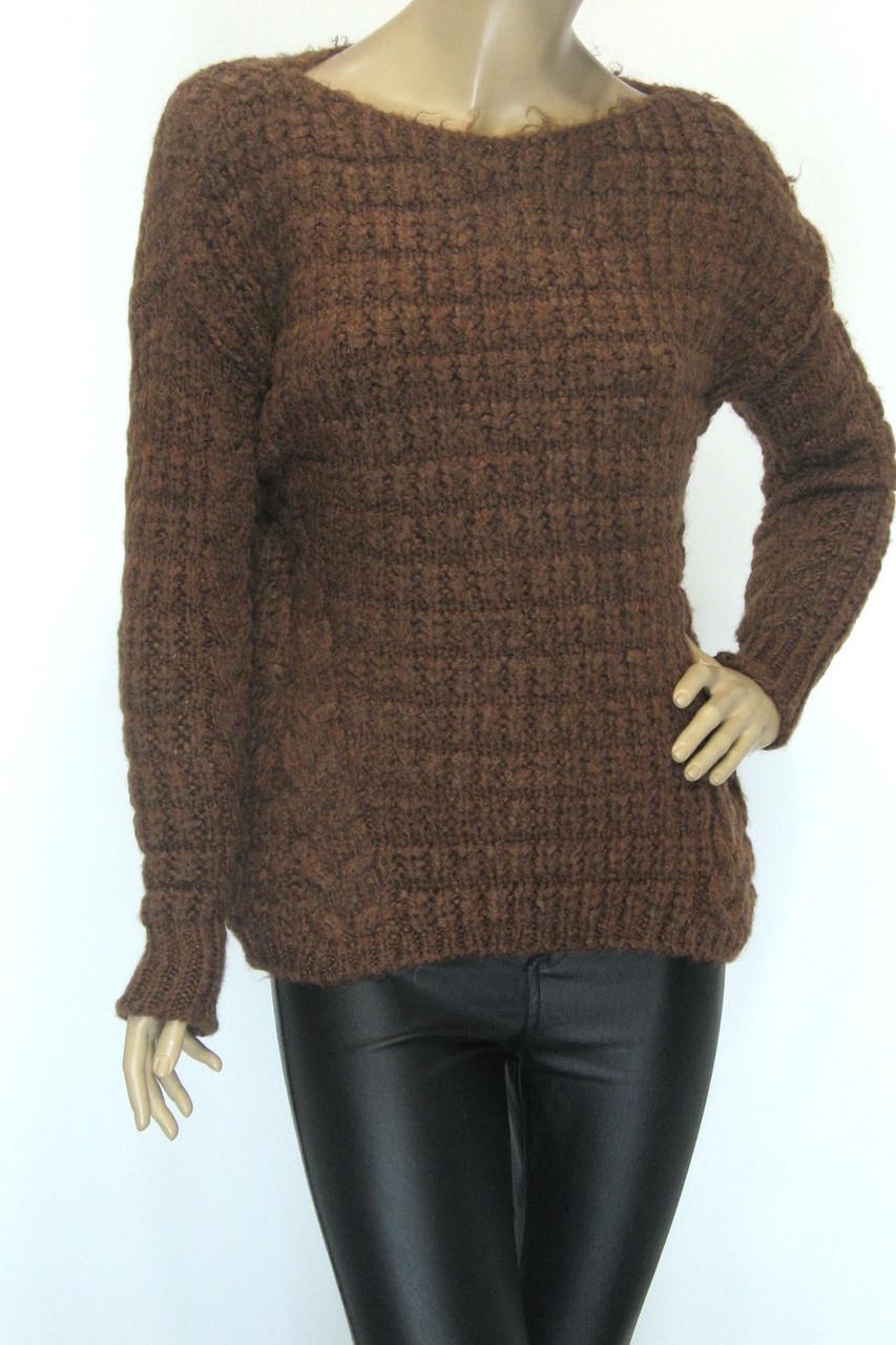 жіночий в'язаний светр шоколадного кольору