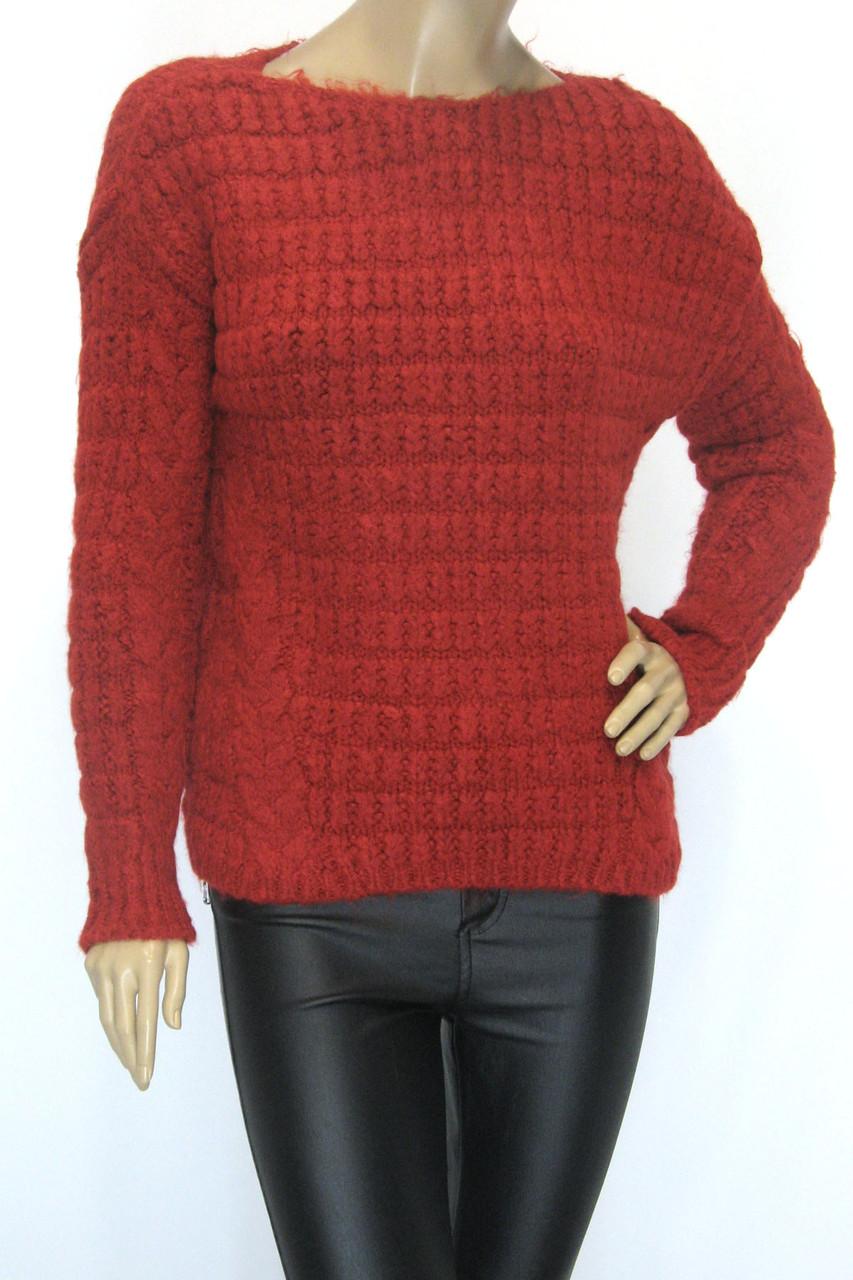 Вязаний модный  женский свитер красного цвета