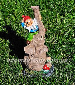 Садовая фигура Слон с гномом