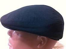 Кепка чоловіча чорна з плащової тканини 59-60