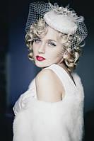 Свадебная шляпка таблетка  с вуалью молочного цвета