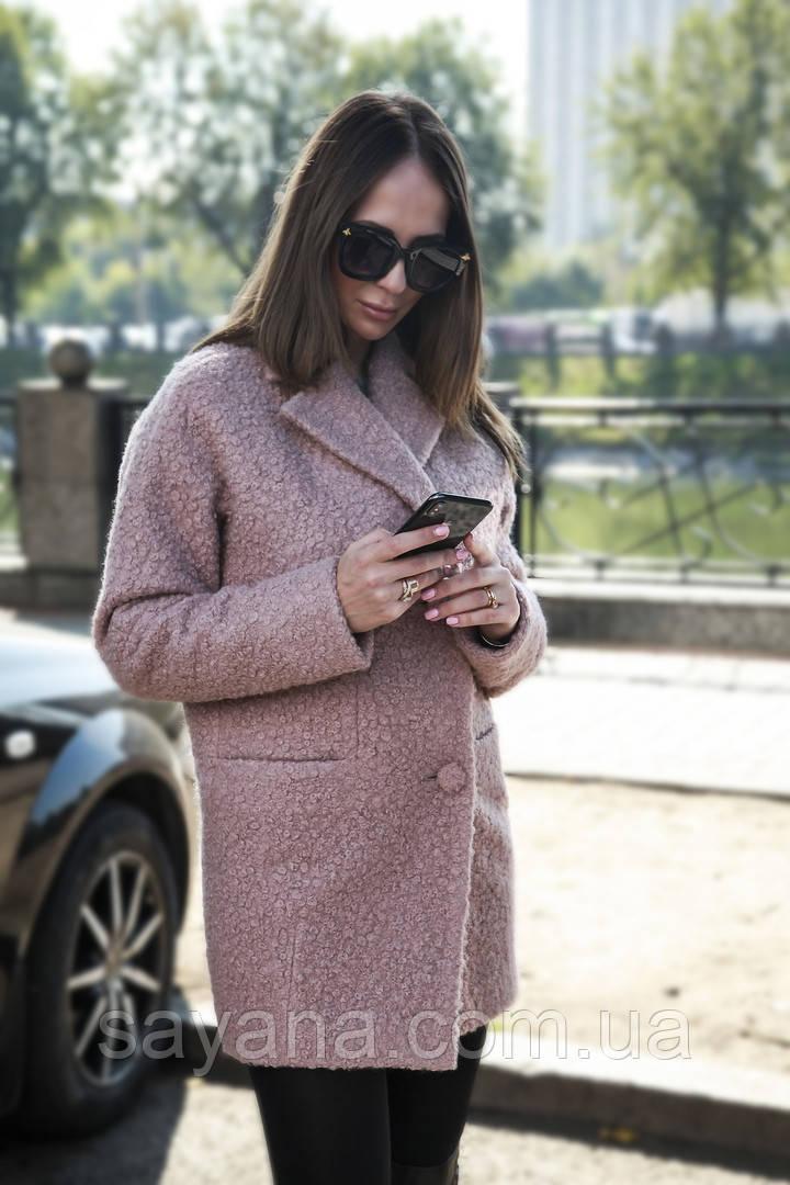 Женское пальто с поясом в моделях. В-2-1118
