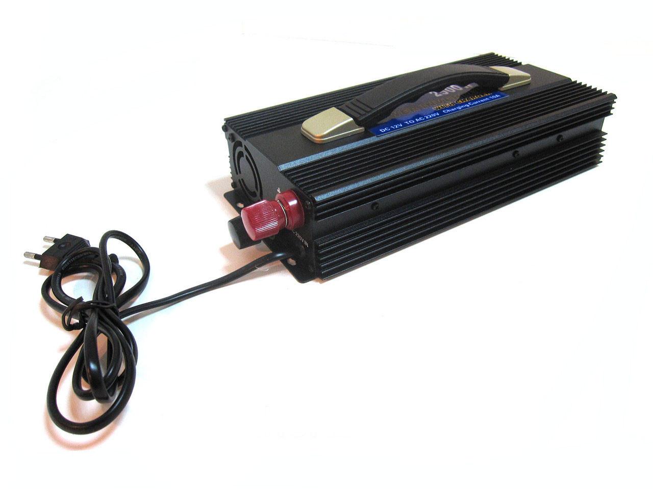 Преобразователь инвертор 12V-220V 2500W с зарядкой