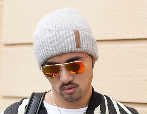 Мужская шапка теплая серая