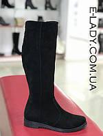 Черные зимние сапоги из натуральной замши без каблука