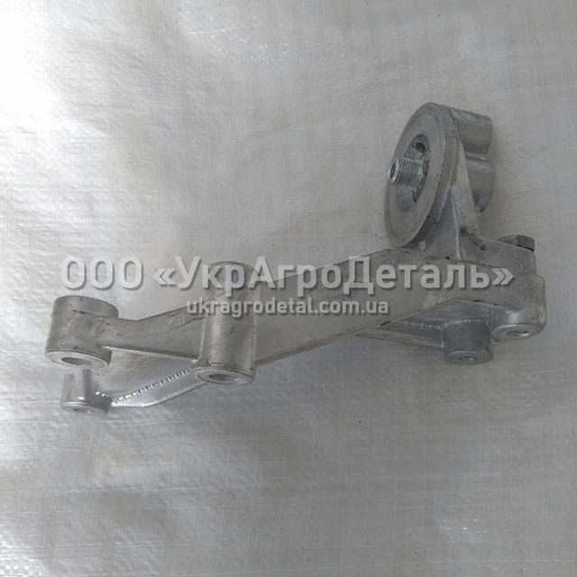 Корпус топливного фильтра 245-1117010-г с кронштейном