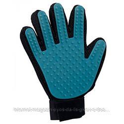 Trixie Fur Care Glove резиновая расческа-перчатка для вычесывания шерсти животных 16х24см