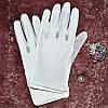 Короткі рукавички з пальчиками під бальна сукня для дівчинки.