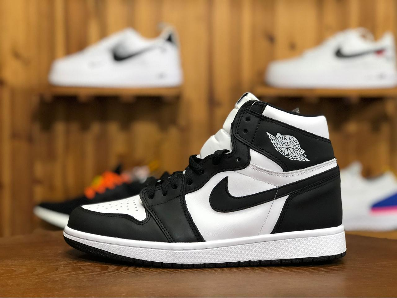 ae84d4be Мужские Кроссовки Jordan 1 Retro High OG Black/White - Компания