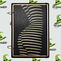 Скетчбук с деревянной обложкой (А5 черный лак) Женщина, фото 1