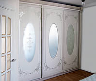 Элитные шкафы-купе в стиле Барокко с рисунком на фасадах