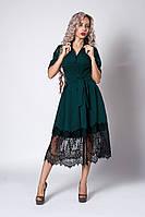 Бутылочное женское платье украшено французким кружевом, фото 1