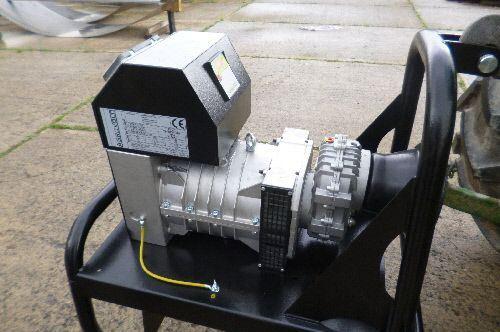 Тракторный агрегат AgroVolt AV 15 (генератор ВОМ AgroVolt AV 15)  фото 1